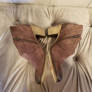 NEW Johnston and murphy suede western style bootie